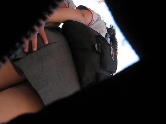 Bajo falda buenisima de universidad - 1 part 8