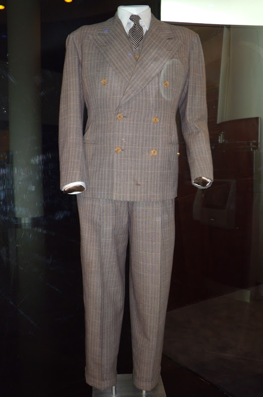Humphrey Bogart Casablanca movie costume
