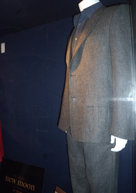 Robert Pattinson's Twilight New Moon Edward suit from Bella's birthday party