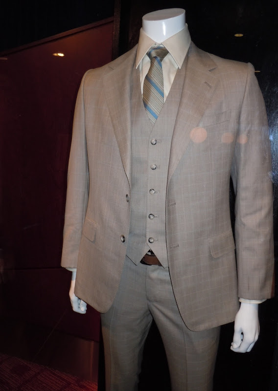 Inception Joseph Gordon-Levitt Arthur suit