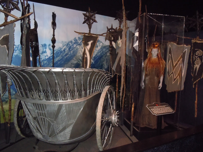 Narnia White Witch chariot and costume