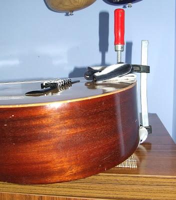 Reparando Guitarras Acústicas
