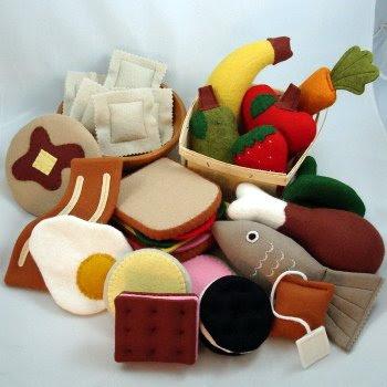 Making Fabric Play Food