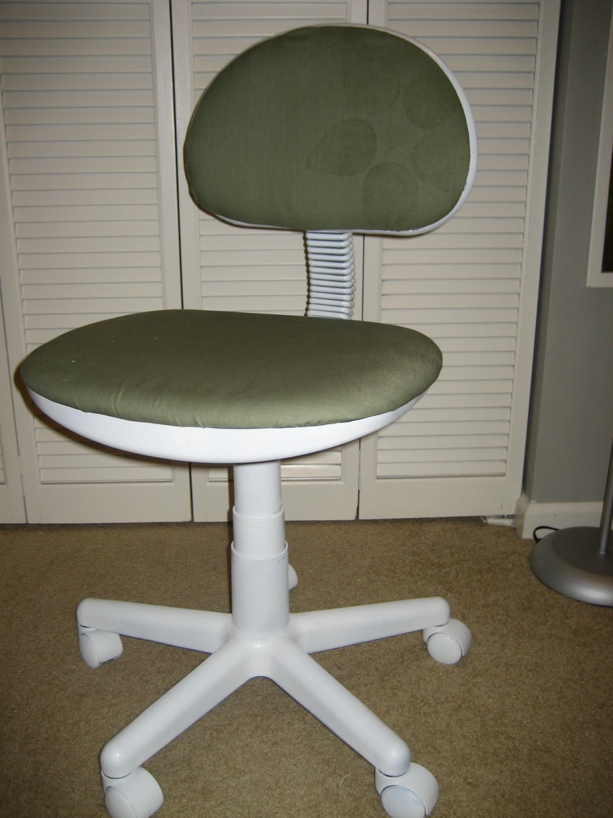 Reupholster Office Chair Back Baby Glider Australia 31 Diy How To A Desk Tutorial