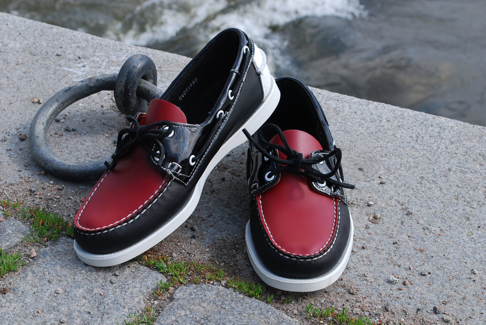1d8e30e7 In light of their 40th anniversary of their classic Docksides deck shoe,  Sebago has released 3 very limited colorways of the Docksides.