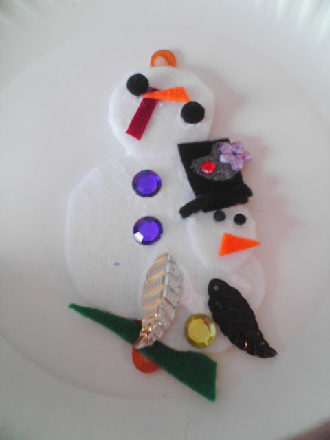 Easy Felt Snowman Kids Crafts: Lapel Pins Magnet Craft