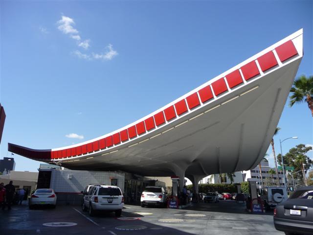 http://4.bp.blogspot.com/_GmQj3LxBW7A/Sw8-SqgcFxI/AAAAAAAADd0/mgyJkGjgbNs/s1600/Googie+Gas+Station,+Beverly+Hills+(2).JPG