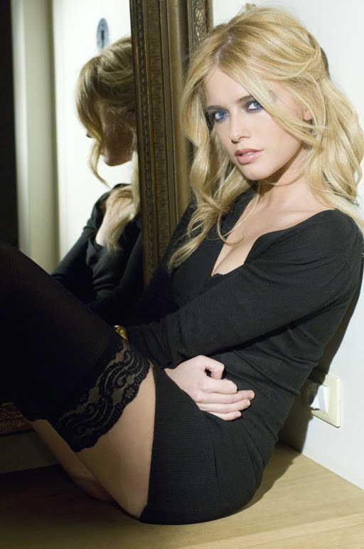 Hot Sexy Blonde Girls