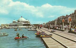 Promenade, Boating pool