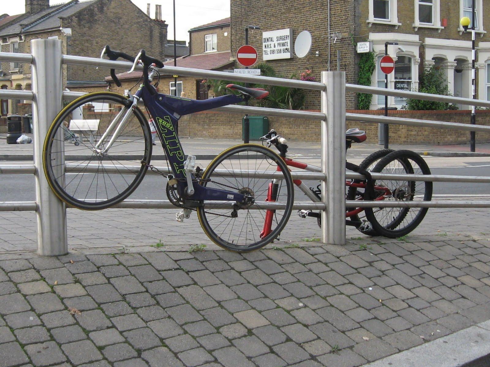 Crap Cycling & Walking in Waltham Forest: Leyton Bike Shed v