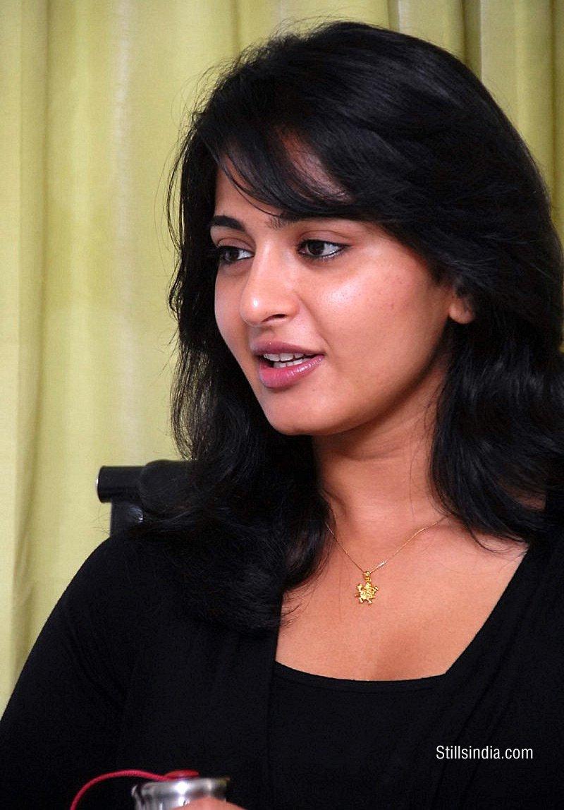 Pure Telugu South Super Heroine Anushka Hot-8343