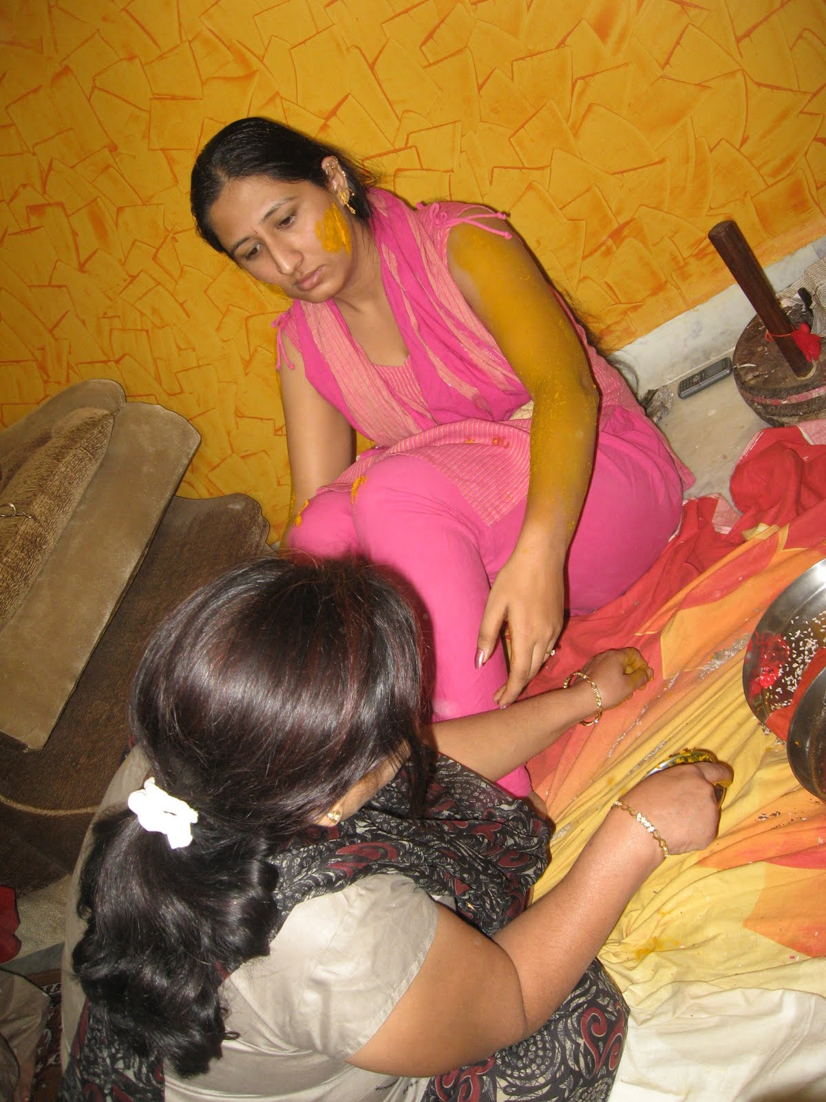 Pure Telugu Andhra Sexy Aunty Honeymoon Pics-9118
