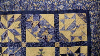 Sampler Quilt, custom quilting by Angela Huffman