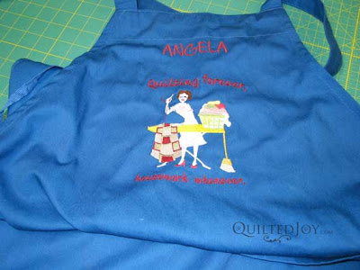 A great longarm quilting apron has lots of pockets and a super cute design!