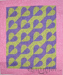 Maderia Hearts with Cascade Panto, quilting by Angela Huffman - QuiltedJoy.com