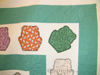 Continuous line bugs motif on frog quilt, custom quilting by Angela Huffman - QuiltedJoy.com