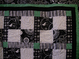 Green Bean Casserole quilt with Spin pantograph. Quilting by Angela Huffman - QuiltedJoy.com
