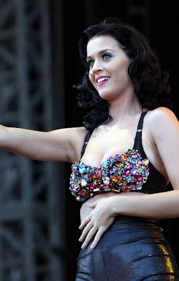 Katy Perry Touches Herself In Concert Pictures