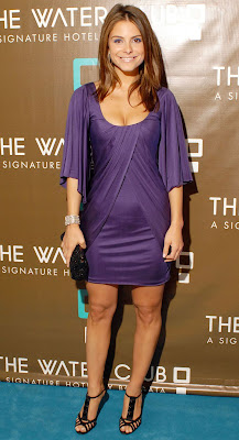 I-BuzzAbout: Maria Menounos Show Some Cleavage at Hearts ...