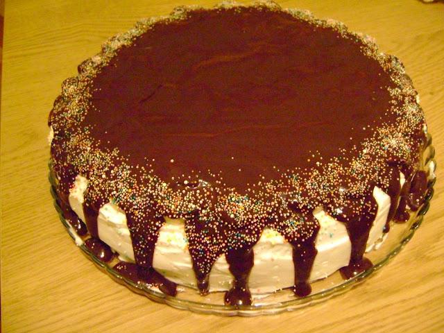 Çikolata Soslu Muzlu Pasta Tarifi