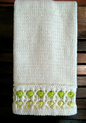 Knitted Hand Towel Patterns : 3 Sleeves to the Wind: Knitted Guest Hand Towel Pattern