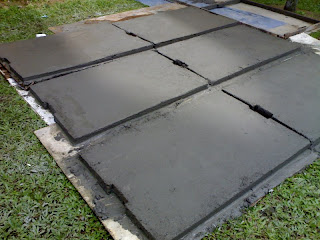Concrete Covers With Steel Mesh Inside Is Being Mold