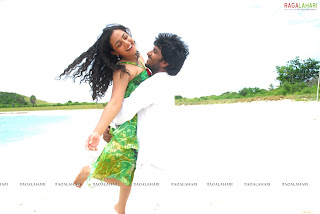 Desistarz Nithya Menon Hot Pics From Tamil Movie