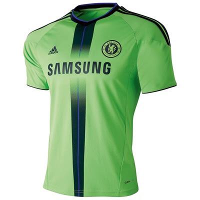 f43d2bc42c Muito bonita essa terceira camisa do Chelsea (as outras duas também estão  muito bacanas). Esse tom de verde com o azul marinho combinou bem e me  parece que ...