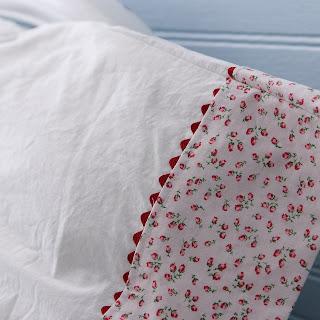 vintage looking rose flowered pillowcase