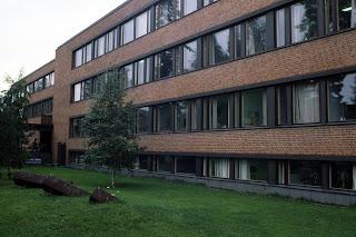 Edificio principal de la escuela politecnica Otaniemi