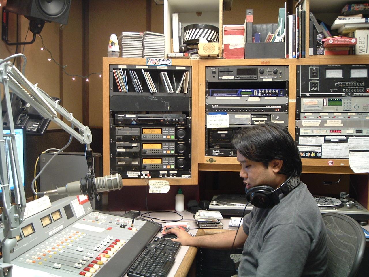 Spinning Indie: Radio Station Field Trip 25 - WZBC at ...
