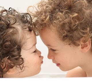 Baby Photos Wallpapers Girl Kids Kissing Pictures