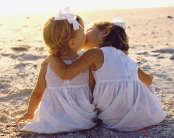 Cute Girl And Boy Kissing Wallpaper Kids Kissing Pictures