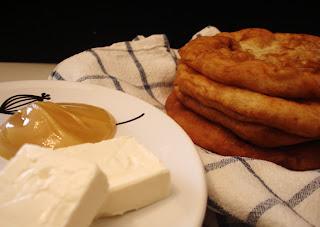 الاسفنز أو الاسفنج الليبى ..فطير حلو وحادق فى نفس الوقت Libyan Sponge ..sweet &salt pie at one time