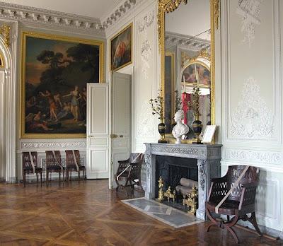 Architect Design Petit Trianon