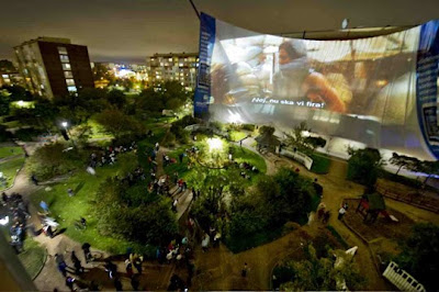 Nokia N8 plays video on the World's Largest Cinema Screen