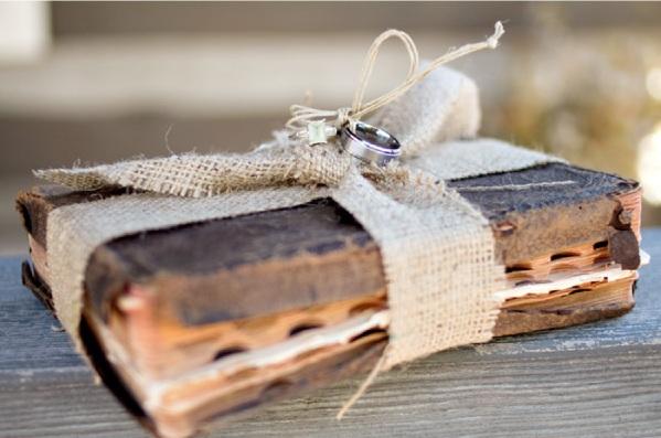 2000 Dollar Budget Wedding Diy Book Wedding Ring Holder