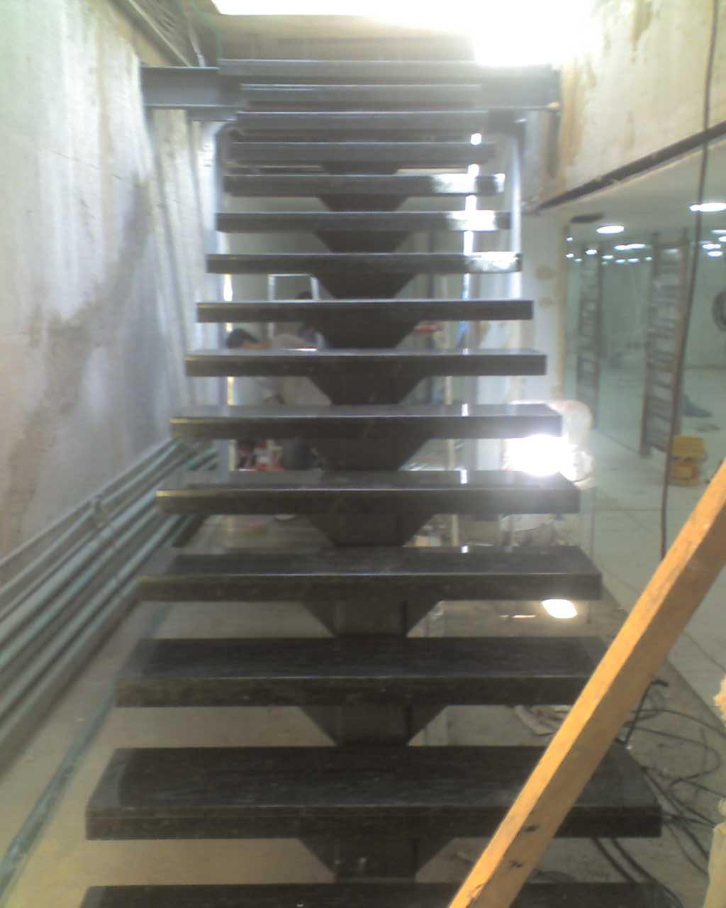 Marmoles Vivas Pulido escalera flotante