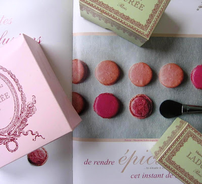 I HEART this palette of macarons...