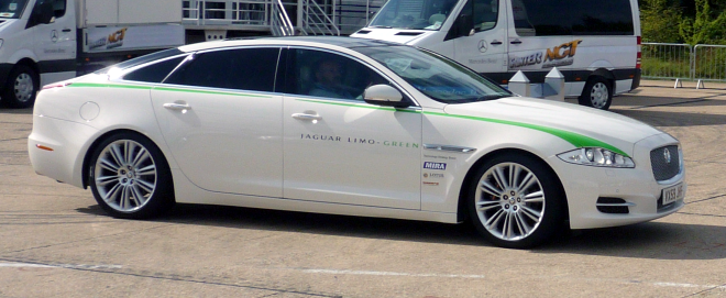 Jaguar XJ Limo Green