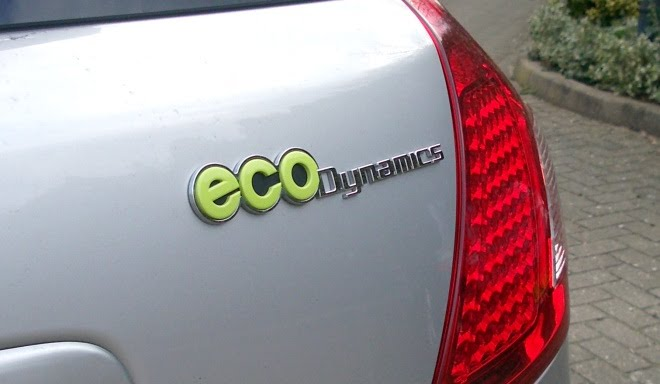 Kia Ceed EcoDynamics boot badge