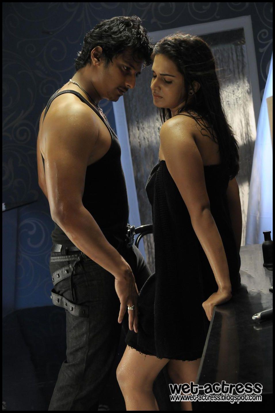 Tamil Movie Singam Puli Spicy Stills   Wet-Actress1