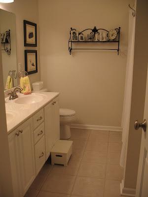 上漆浴室柜