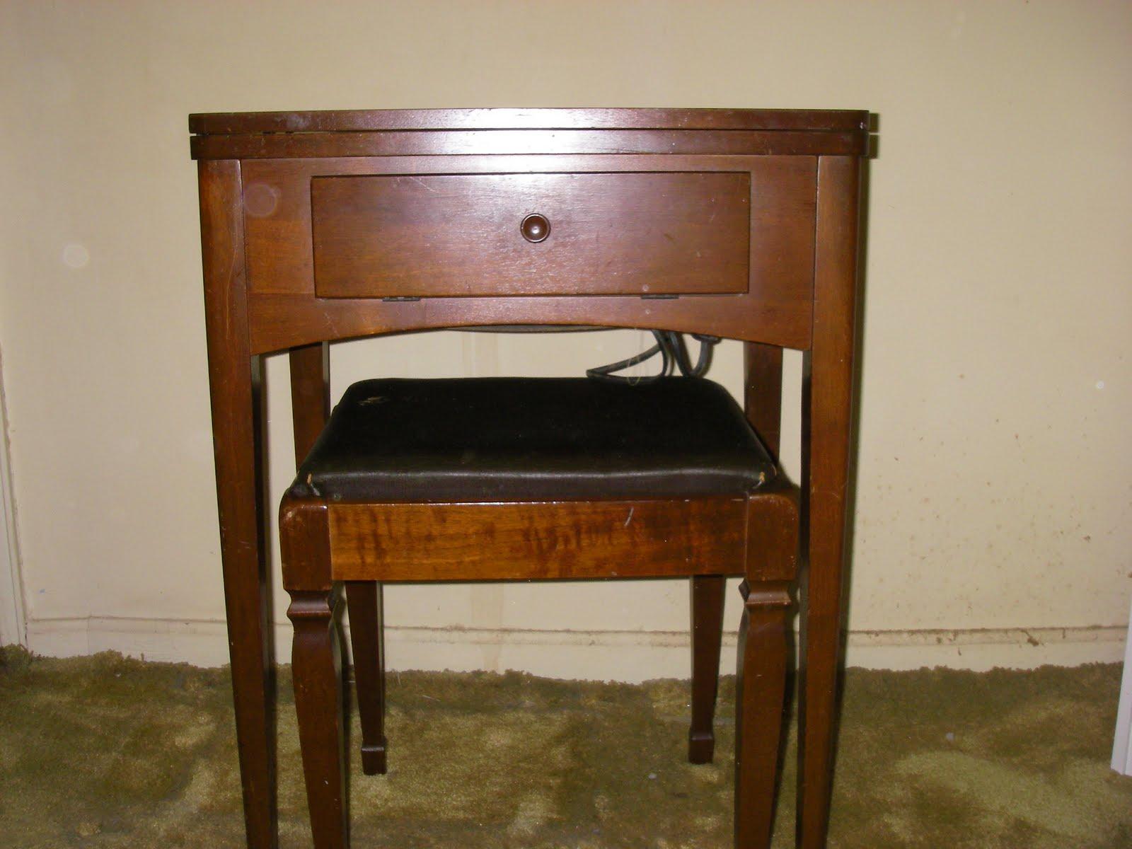 yard sale furniture estate sale singer sewing machine in cabinet. Black Bedroom Furniture Sets. Home Design Ideas