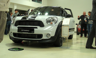 White Mini Countryman