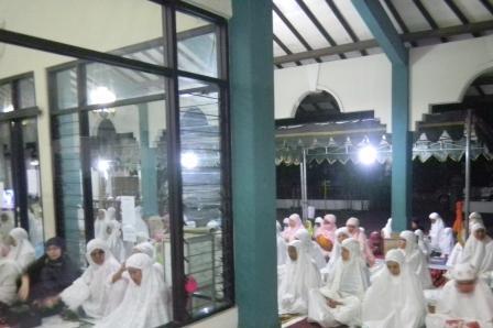 Siaga Teror Crosshijaber, 2 Masjid di Surabaya Mulai Dijaga