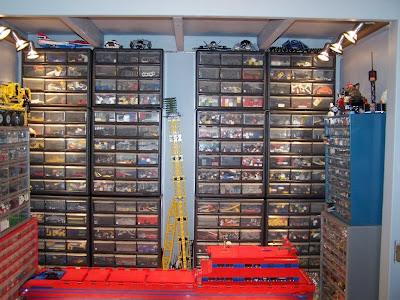 Brick It: Lego Construction cabinet