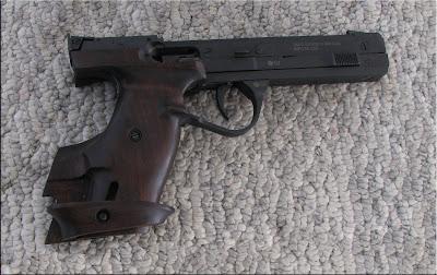 http://www heritagearms net/firearms/used/pistols