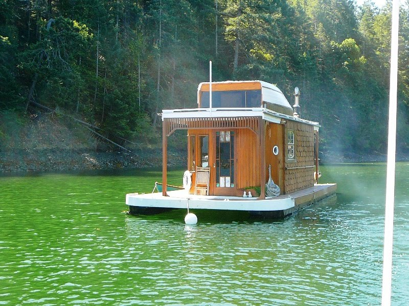 Lovely Little Wooden Houseboat Houseboats Pinterest