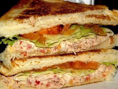 ســانـدويتـش البيــتـزا tuna+sandwich-resi